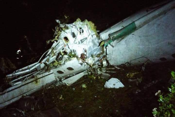 Accidente de avión del Chapecoense deja al menos 76 muertos en Colombia