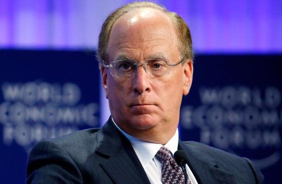 Veo sombras negras en los mercados mundiales: Larry Fink
