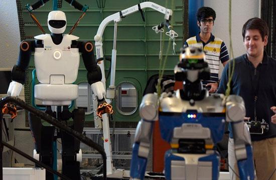 """Europa quiere que robots tengan un """"botón de la muerte"""""""