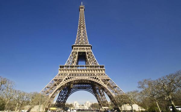 París pierde millón y medio de turistas en 2016 tras atentados