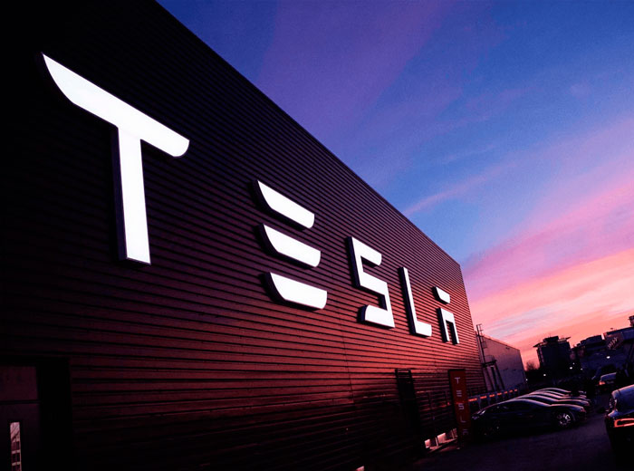 Tesla, con el mayor valor de mercado; supera a GM