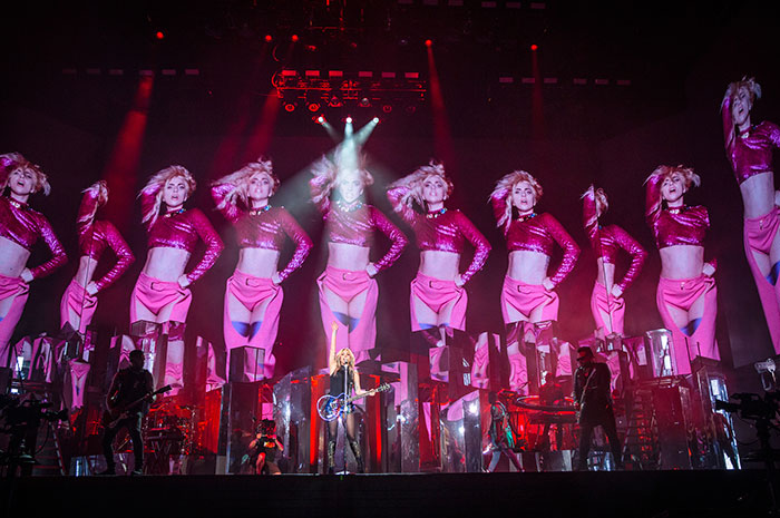 Conmueve Lady Gaga con su llanto en Coachella