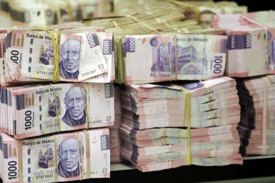 Hacienda reduce 40 mmdp de deuda pública