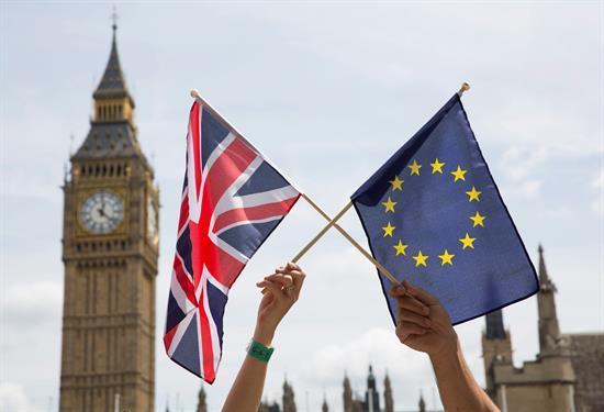 Revertir el brexit beneficiaría a la economía británica: OCDE