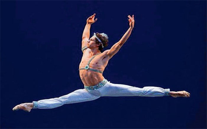 Nominan al mexicano Isaac Hernández como mejor bailarín del Reino Unido