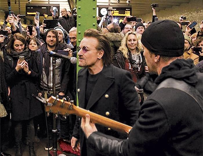 U2 en la estación de subte de Berlín — Sorpresa urbana