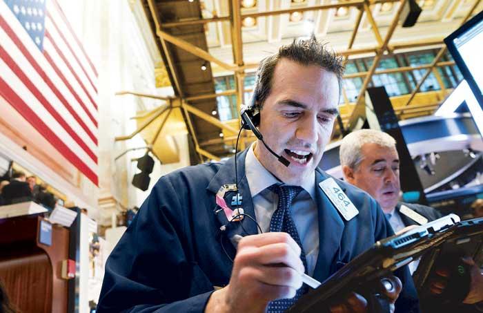 Bolsa mexicana se hunde 3.3% tras desplome de Wall Street