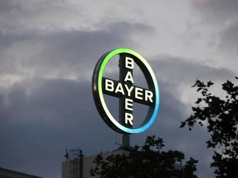 Aprueba EU que Bayer compre a Monsanto
