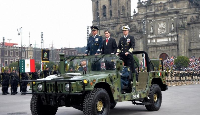 Peña Nieto encabeza su último Desfile Militar