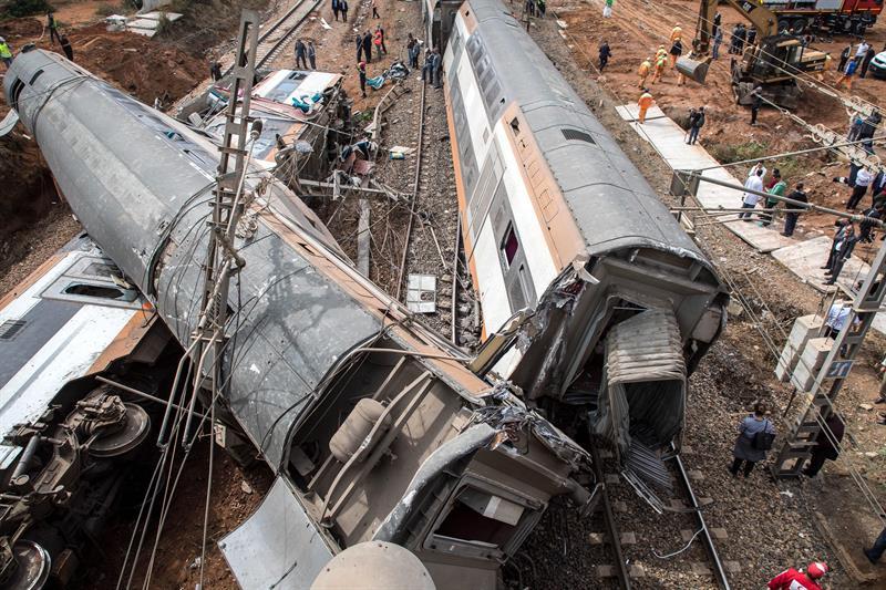 Descarrila tren en Marruecos; hay siete muertos y casi 90 heridos